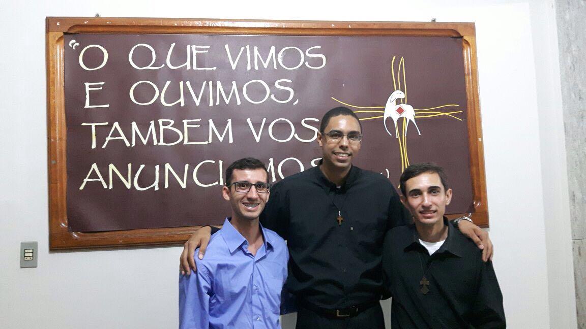 Aprovado o pedido do Ministério de Leitor dos seminaristas; Douglas Pereira, Paulo Emílio e William