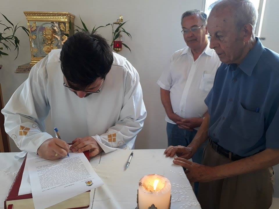 Seminarista João Victor professa a fé e realiza juramento de fidelidade