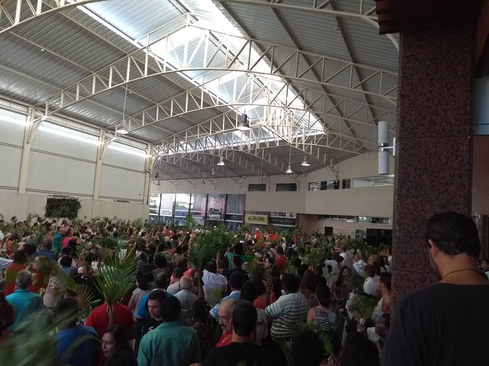 Celebração do Domingo Ramos na Cidade Leopoldina