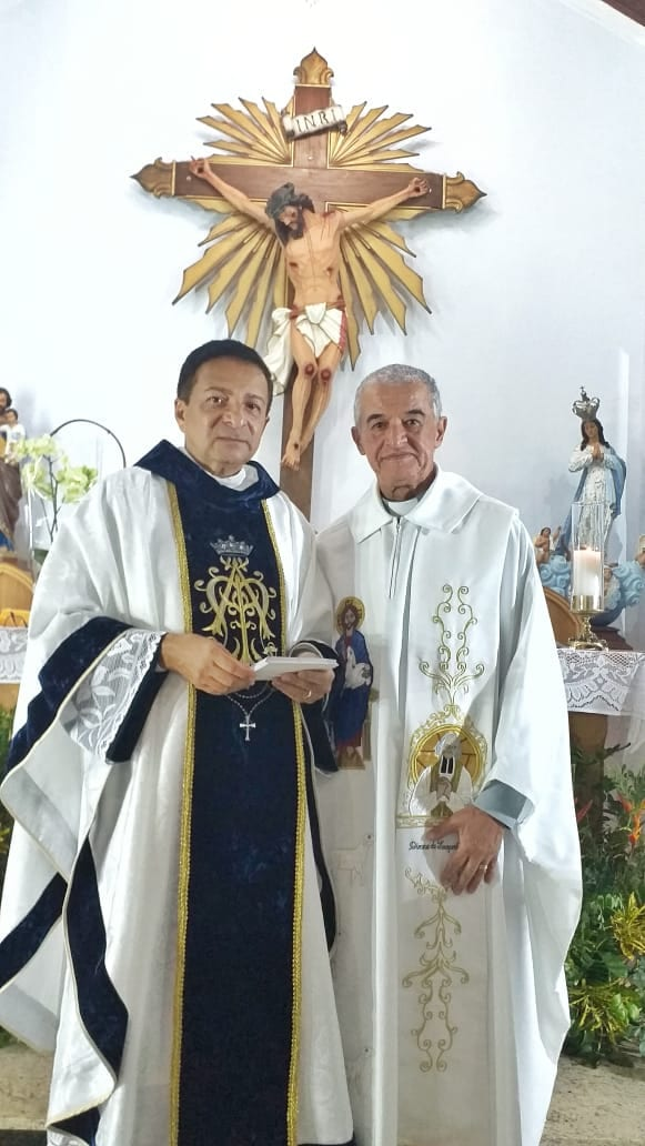 Os padres Pedro e José Carlos Ferreira Leite