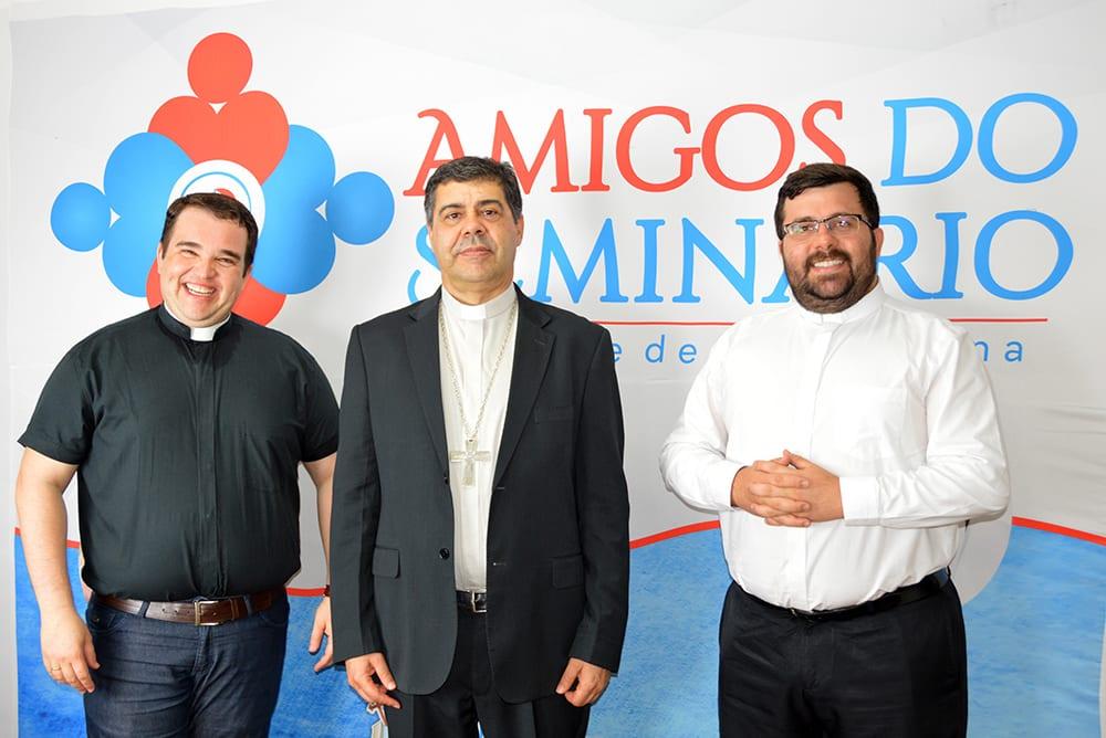 Pe. Agnaldo, dom Edson e Pe. João Victor