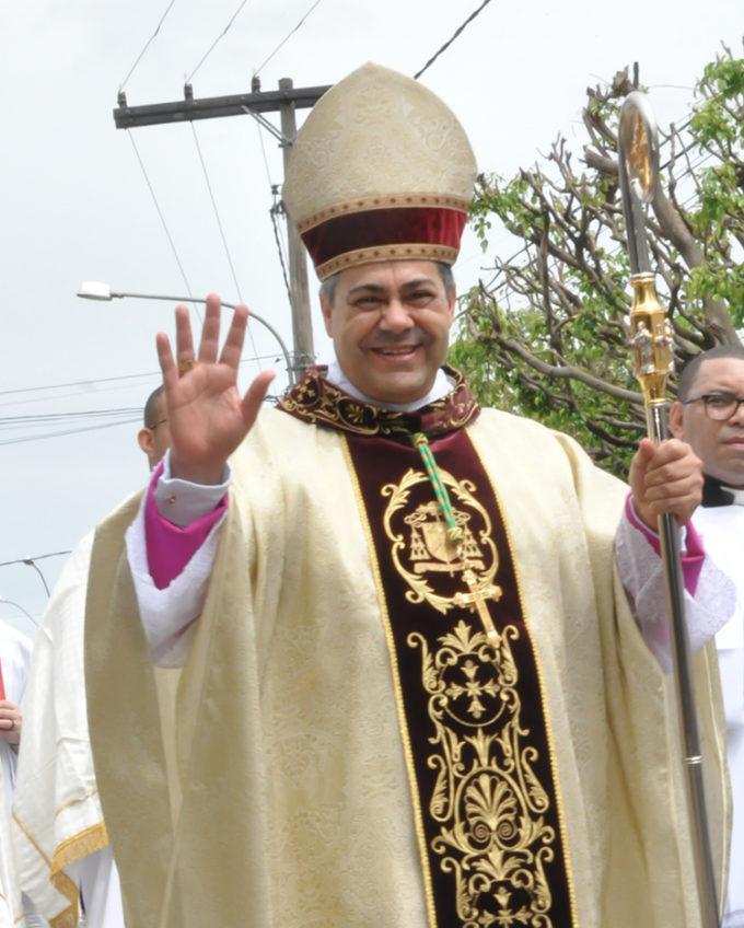 Dom Edson Oriolo, bispo de Leopoldina