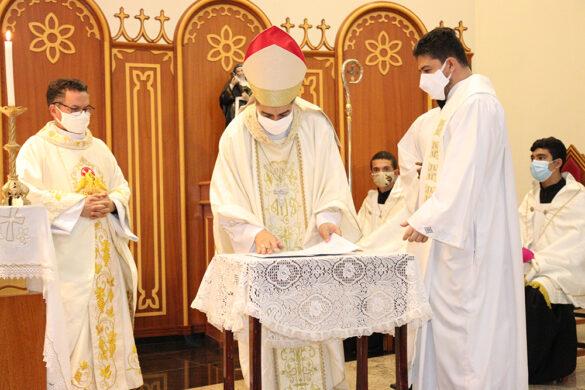 Pe. Marcelo Aguiar é empossado como pároco da Paróquia Santo Antônio em Visconde do Rio Branco.