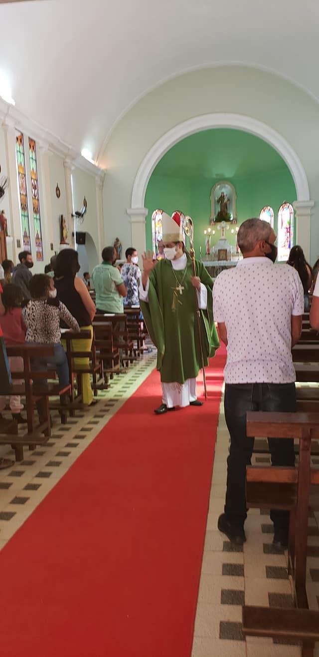 Dom Edson Oriolo presidiu a Santa Missa em Providência. Foto: Elizabeth Ferraz Junqueira