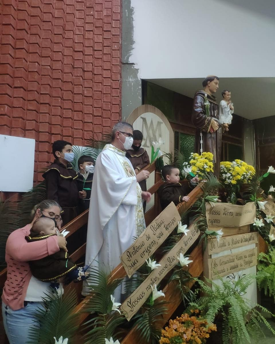 Paróquia Santo Antônio de Pádua, Astolfo Dutra (MG).