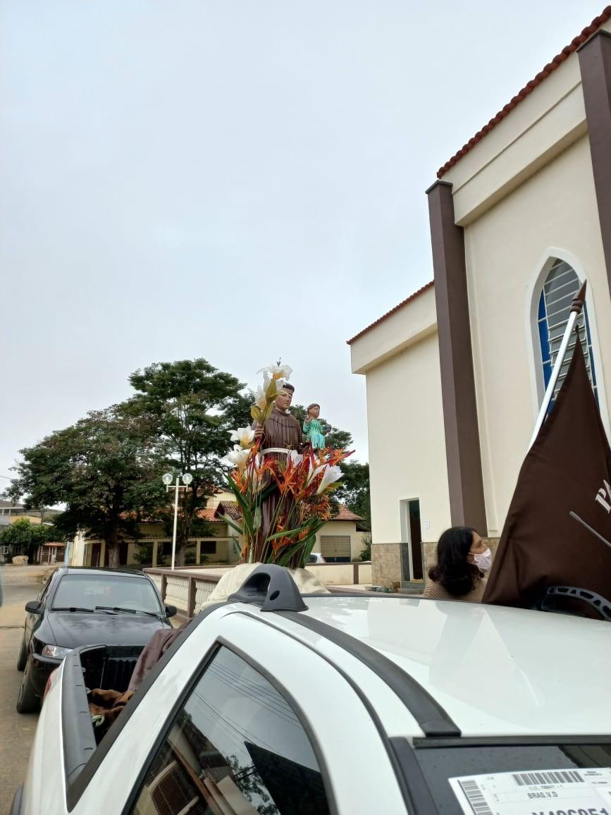 Paróquia Santo Antônio, Distrito de Tuiutinga – Guiricema (MG).