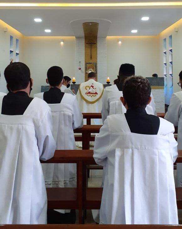 A Pastoral dos Acólitos é de grande importância para nossa Igreja, em verdade, eles são grandes servidores do altar, que doam seu tempo com amor a serviço da Sagrada Liturgia.