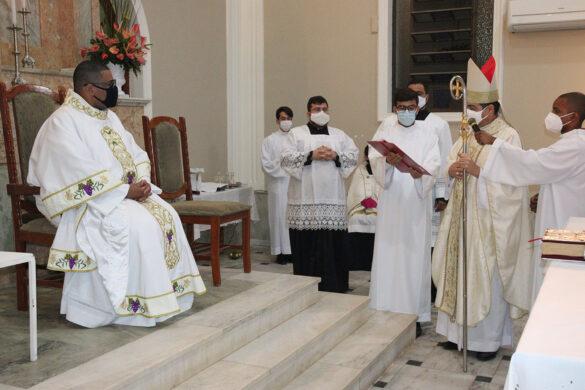 Paróquia Santa Rita de Cássia de Miradouro acolhe o seu novo pároco, o Pe. Silas Geraldo.