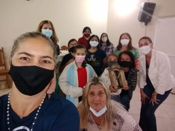 Movimento 'Mães que oram pelos filhos' realiza encontro para celebrar a padroeira.